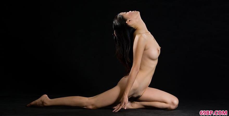 裸模阿香桃源写真棚拍