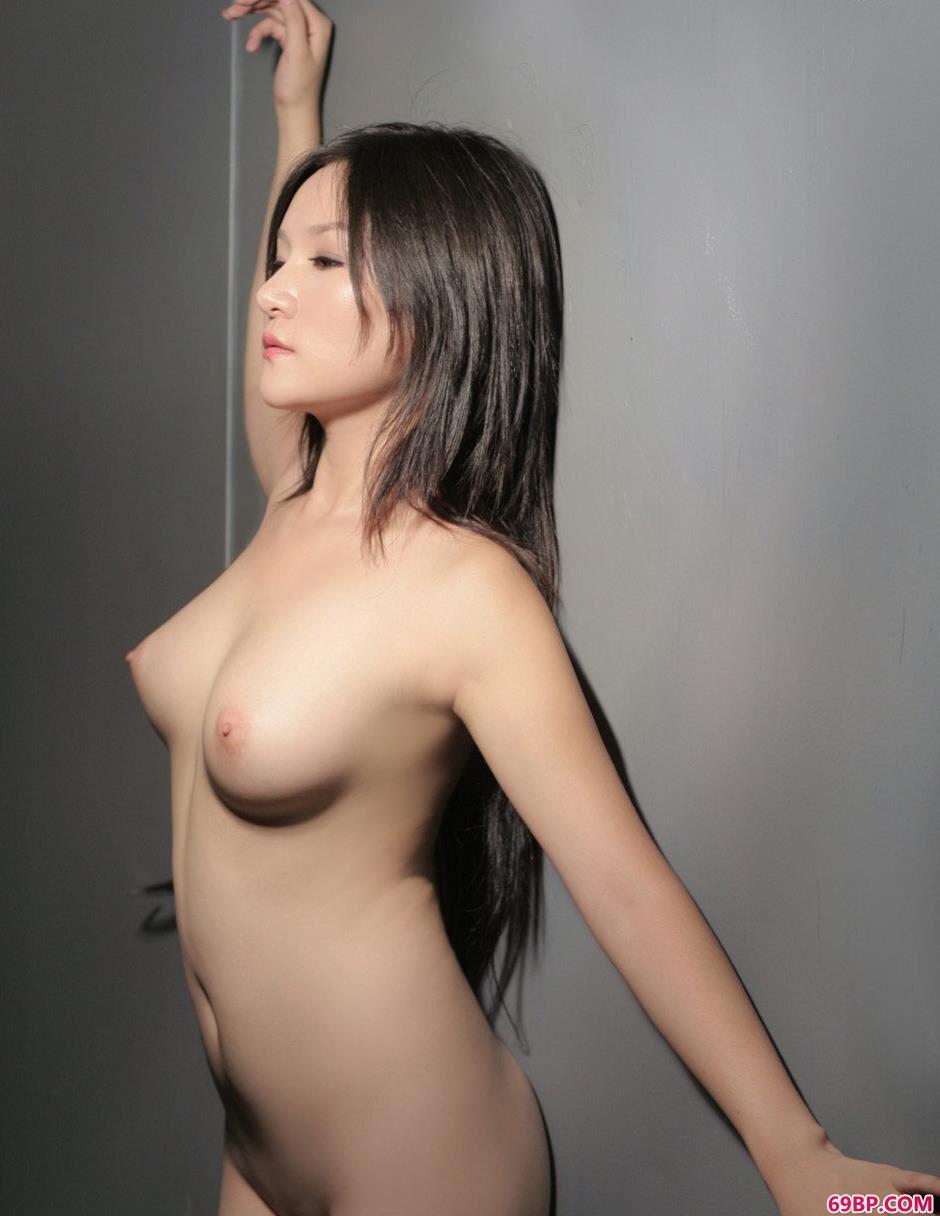 莎丽光影下的美体1_欧美大胆生殖艺术照