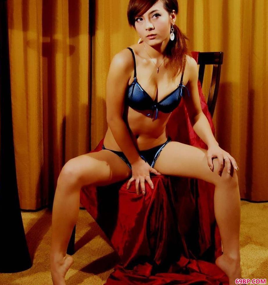 完美气质的嫩模安娜_泰国超大胆野外艺术68283