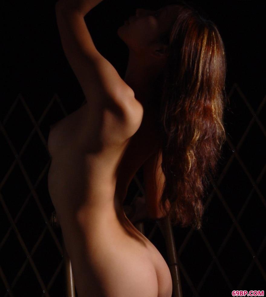 美模依嘉室拍人体3_gogo人体摄影艺术