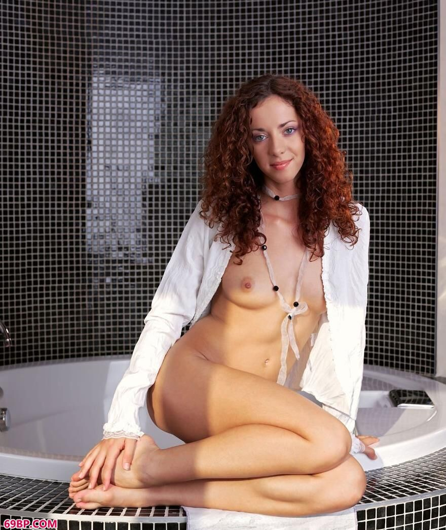 浴池边的碧眼女模1_337p日本在线69影院
